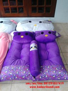 Matras Karakter Hello Kitty Ungu