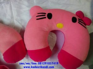 Bantal Leher Karakter Hello Kitty Pink