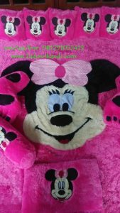 Karpet Karakter Minnie Mouse Pink